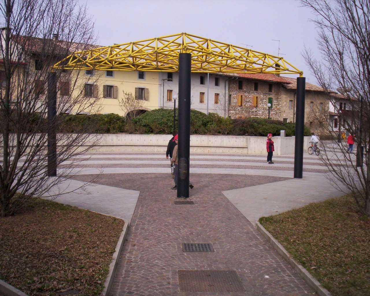 Piazza-Parco-Colloredo-di-Prato_002