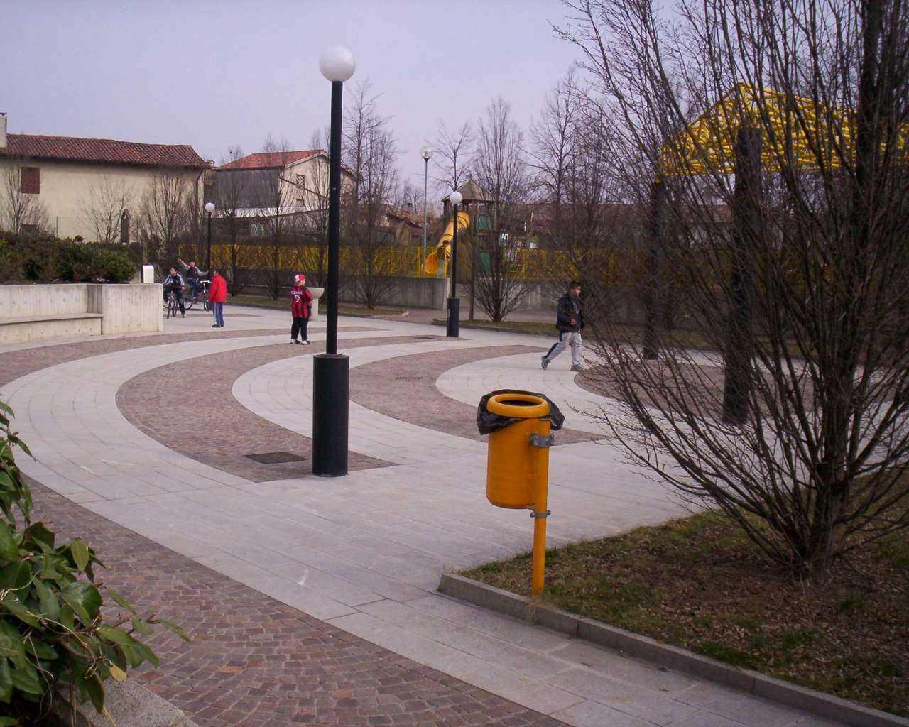 Piazza-Parco-Colloredo-di-Prato_008
