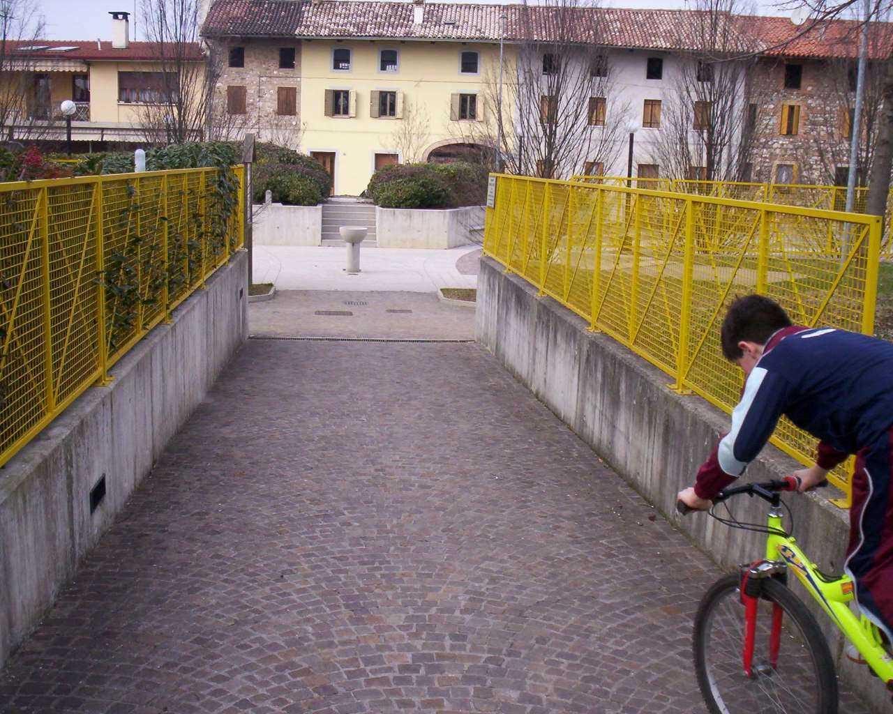 Piazza-Parco-Colloredo-di-Prato_042
