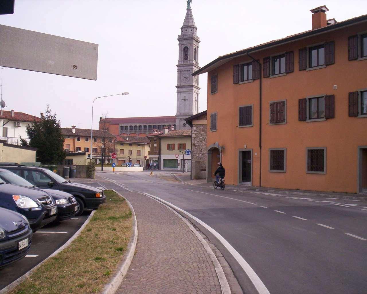 Piazza Matteotti - Pasian di Prato 02