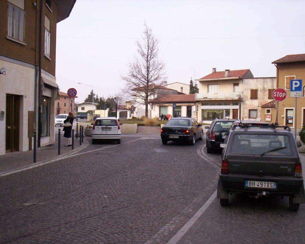 Piazza Matteotti - Pasian di Prato 28